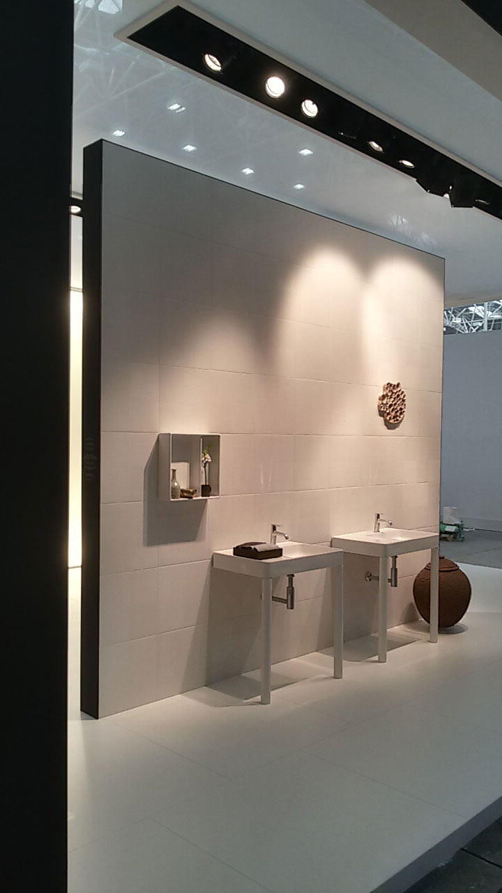 8-COTTO-THAI-CERAMIC-Cersaie-2015